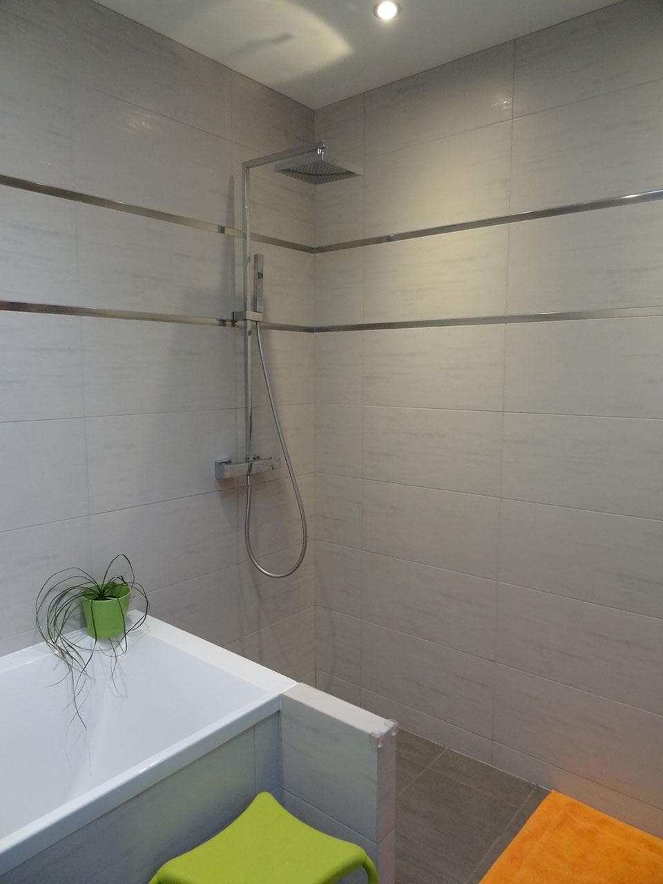 Maison en siporex cheap cleste mur briques intrieur - Realiser une cuisine en siporex ...